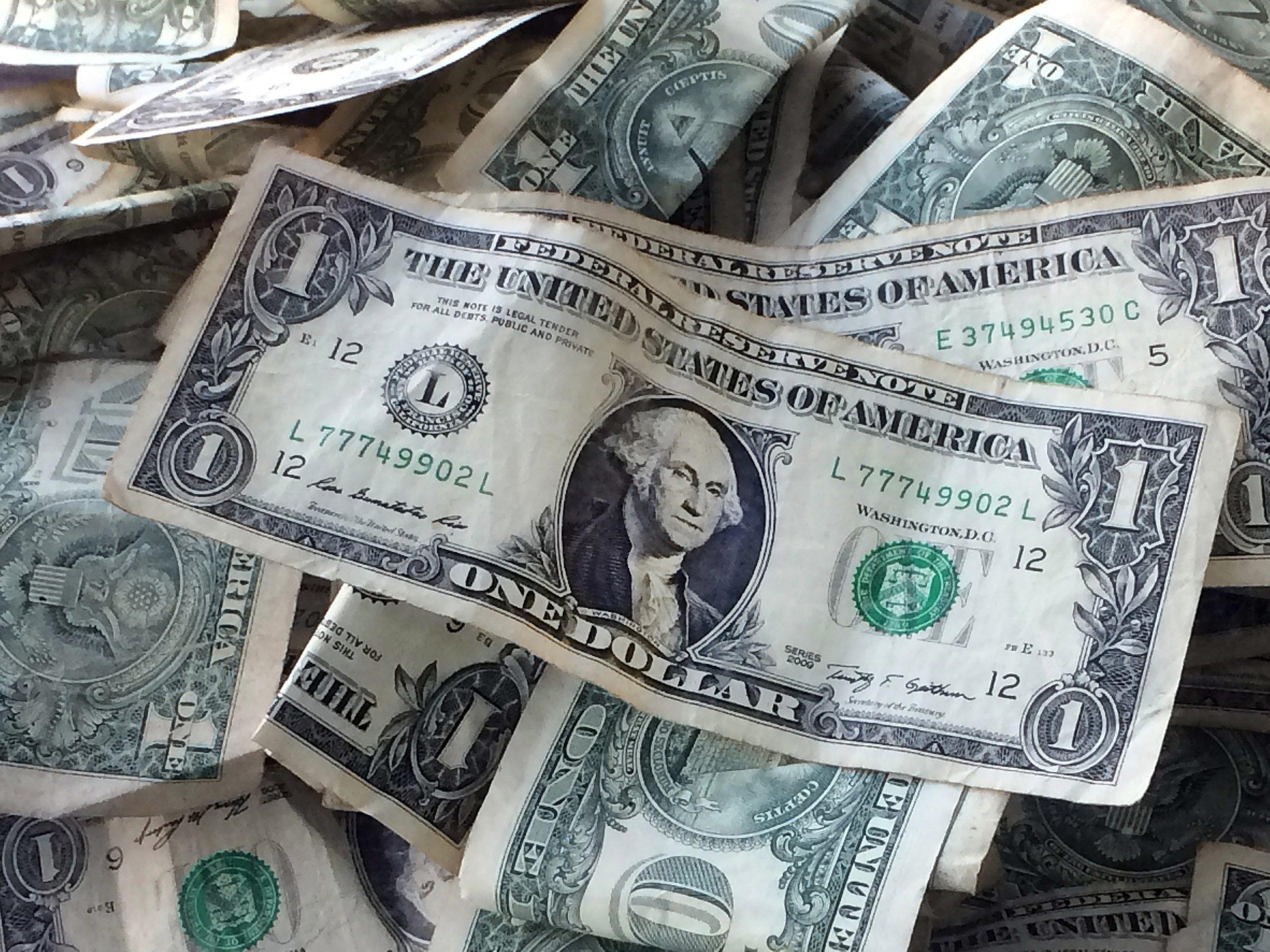 ตลาดทองคำนิวยอร์ก: ทองปิดบวก $12.9 รับอานิสงส์ดอลลาร์อ่อนค่า